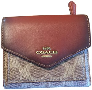 Coach Coach Small Wallet in Signature Canvas