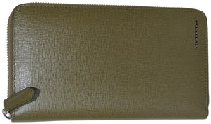 Burberry NWT BURBERRY WOMENS RENFREW ZIP AROUND WALLET MADE IN ITALY
