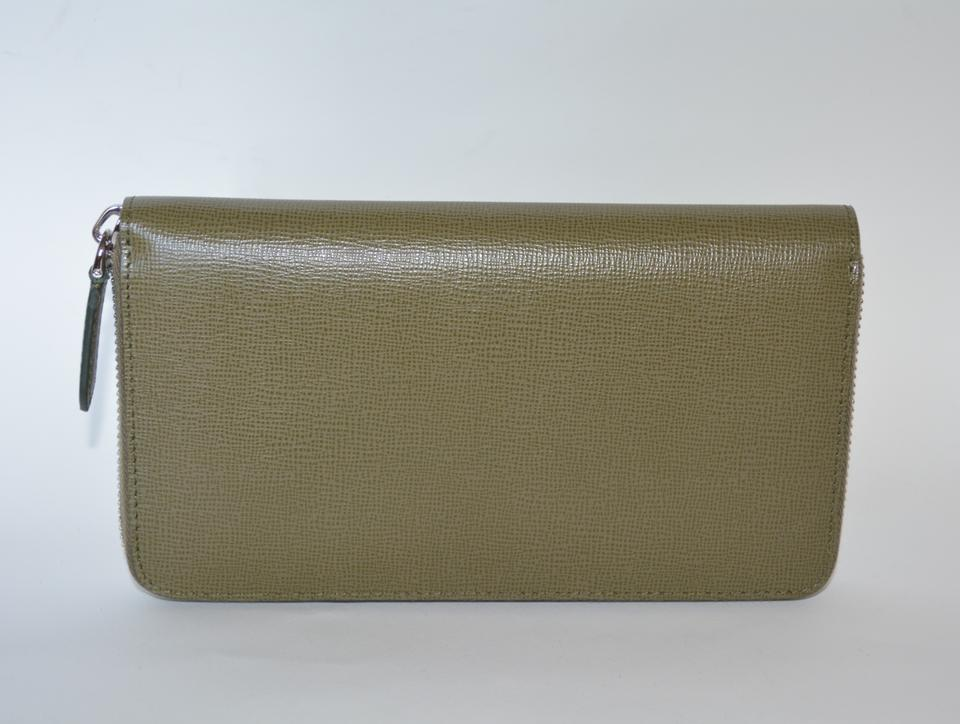 94fd2e8cd35c Burberry NWT BURBERRY WOMENS RENFREW ZIP AROUND WALLET MADE IN ITALY Image  8. 123456789
