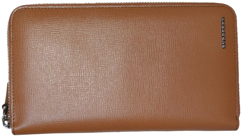 a3ae1a395e81 Burberry NWT BURBERRY WOMENS RENFREW ZIP AROUND WALLET MADE IN ITALY Image  0 ...