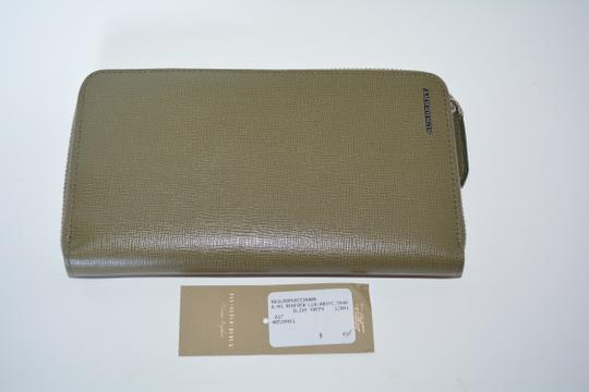 Burberry NWT BURBERRY WOMENS $650 RENFREW ZIP AROUND WALLET MADE IN ITALY Image 3