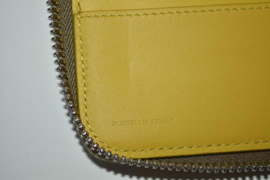Burberry NWT BURBERRY WOMENS $650 RENFREW ZIP AROUND WALLET MADE IN ITALY Image 4
