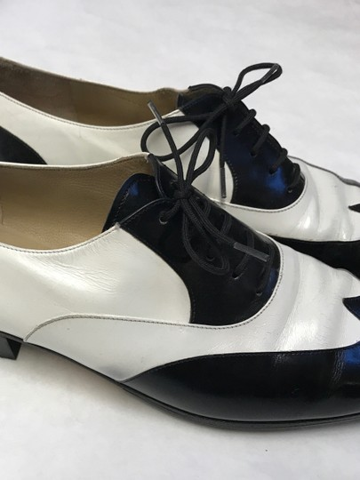 Salvatore Ferragamo Leather Vintage White and Black Baroque Lace Up Formal Shoes Formal Image 2