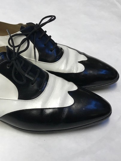 Salvatore Ferragamo Leather Vintage White and Black Baroque Lace Up Formal Shoes Formal Image 4