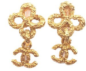 Chanel Chanel Vintage Gold Plated Filigree Texture Flower CC Clip on Earrings