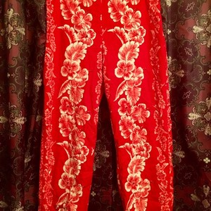 Lillie Rubin Capri/Cropped Pants red and white