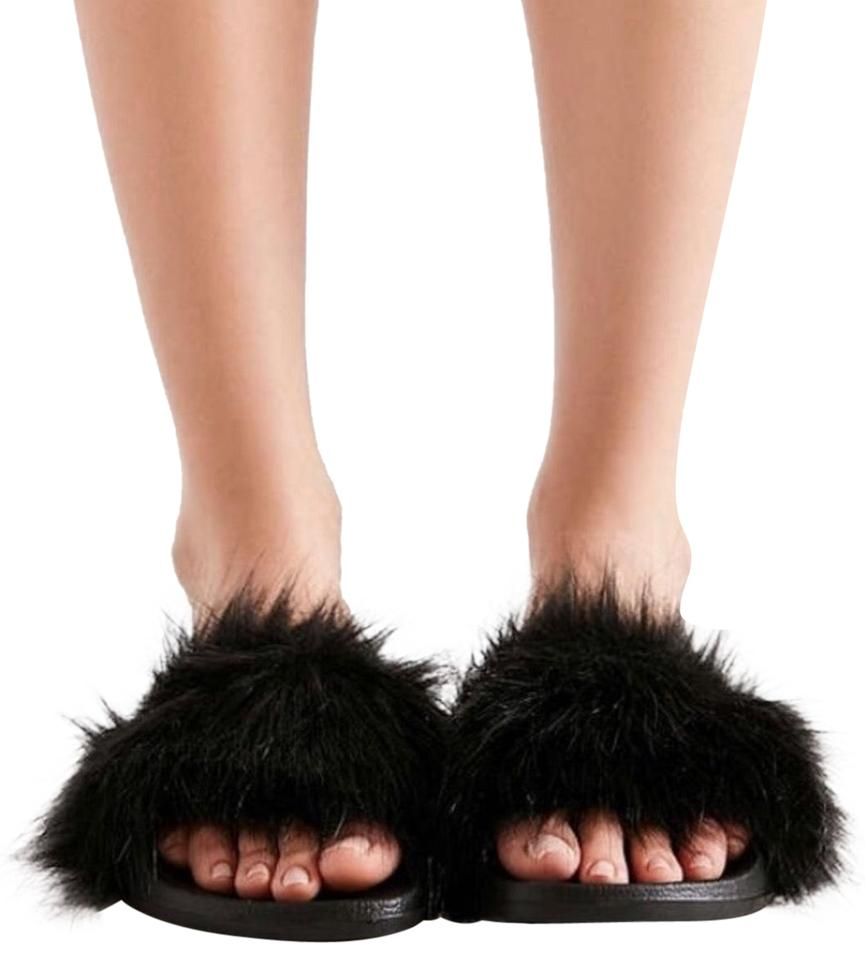 739650bb3733bb Urban Outfitters Black Super Fluffy Slides Sandals Size US 6 Regular ...