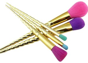 Tarte Unicorn Rainbow Makeup Brushes Brush Set. Makeup/Cosmetics Cosmetic Tools.
