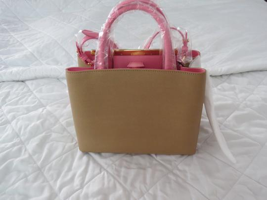 Fendi Tote in Tan Image 4