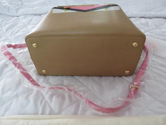 Fendi Tote in Tan Image 5