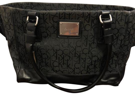 Preload https://img-static.tradesy.com/item/24503620/calvin-klein-bag-monogram-black-tote-0-5-540-540.jpg