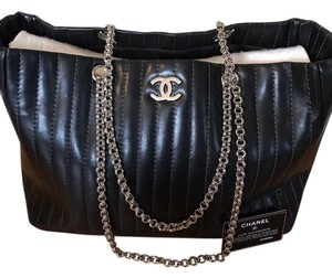 Chanel Tote in balck