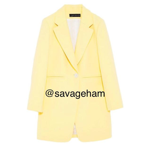 Preload https://img-static.tradesy.com/item/24504136/zara-yellow-straight-cut-frock-coat-blazer-size-0-xs-0-0-650-650.jpg