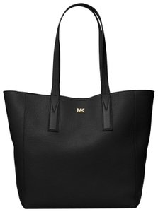 Michael Kors Leather 30t8tx5t3l Tote in Black