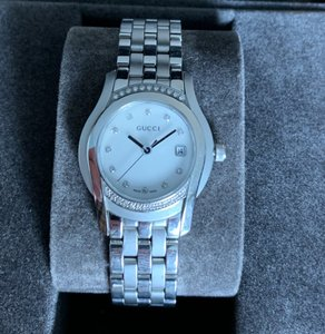 Gucci Gucci 5500L Stainless Steel Women's Watch with Diamond Bezel and Dial