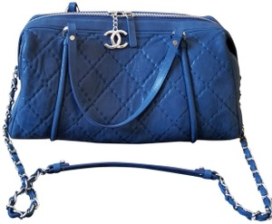 Chanel Quilted Calfskin Sueded Calfskin Cc Puller On Zipper Shoulder Bag