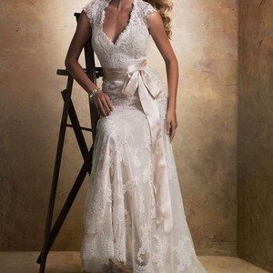 Maggie Sottero Ivory Over Light Gold Lace Bronwyn Feminine Wedding Dress Size 8 (M)