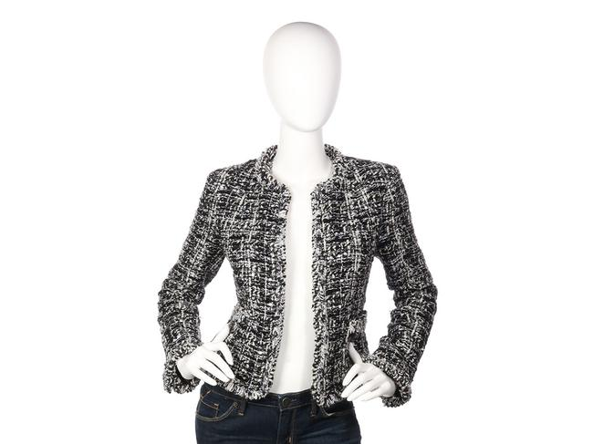 Preload https://img-static.tradesy.com/item/24506235/chanel-black-and-white-03a-open-front-tweed-jacket-size-4-s-0-0-650-650.jpg