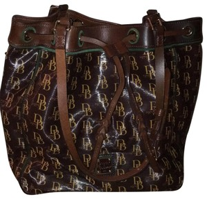 Dooney Bourke Tote In Dark Brown