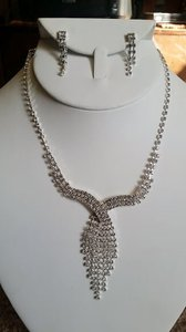 Fashion Jewelry For Everyone Silver Shine Rhinestone Party Prom Necklace