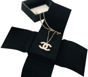 Chanel CHANEL Quilted CC Long Chain Necklace Gold Pearly White