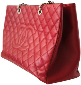 Chanel Grand Shopping Gst White Silver Xl Gst Quilted Tote in Red