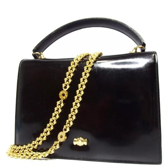Preload https://img-static.tradesy.com/item/24508238/tiffany-and-co-co-chain-and-tote-black-patent-leather-shoulder-bag-0-0-540-540.jpg