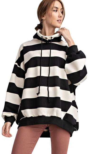 Preload https://img-static.tradesy.com/item/24508388/easel-striped-black-and-white-sweater-0-1-650-650.jpg