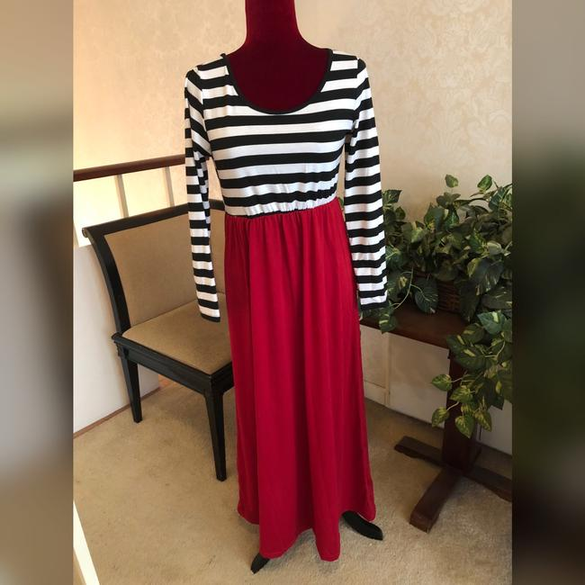 Black, White and Red Maxi Dress by NA Image 5