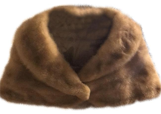 Item - Off White Luxury Vintage Mink Fur Stole Poncho/Cape Size OS (one size)