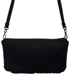 30bd7807fa Bottega Veneta Crossbody Bags - Up to 70% off at Tradesy (Page 2)