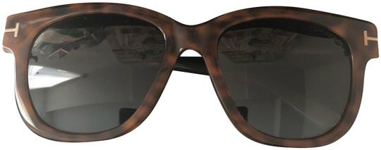 Preload https://img-static.tradesy.com/item/24509295/tom-ford-dark-brown-tracy-square-acetate-sunglasses-0-2-540-540.jpg