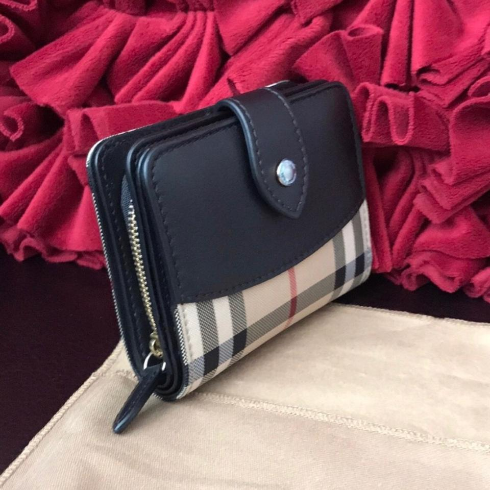 7277b53b8f8f Burberry Burberry women s wallet new made in Italy! Image 7. 12345678