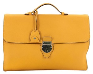 e628a53ae708 Yellow Gucci Bags - Up to 90% off at Tradesy (Page 2)