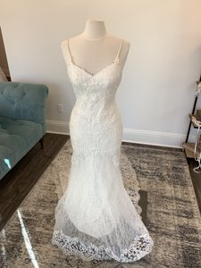 Essense of Australia Ivory Lace and Imperial Crepe D1934 Sexy Wedding Dress Size 8 (M)