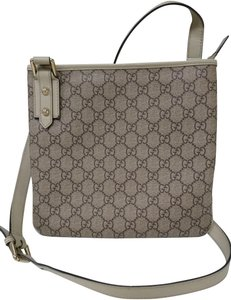 Gucci Gg Supreme Monogram Leather Mesenger Cross Body Bag