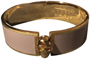 Alexander McQueen Light Tan Skull Detailed Enamel Gold Tone Bangle Bracelet