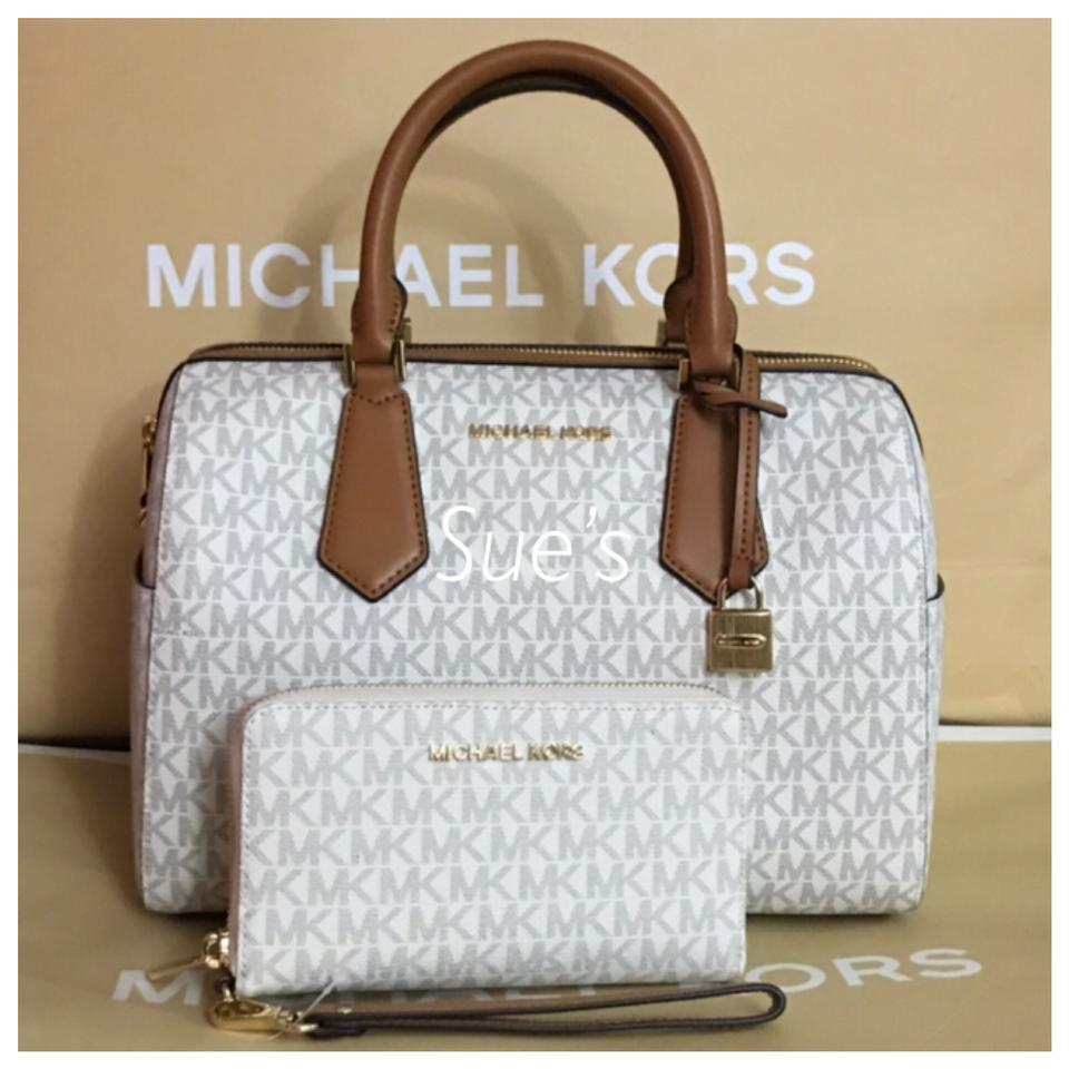 0f7809f1391c Michael Kors 2pc Mk Hayes Large Duffle Crossbody   Multifunction Phone Case  Wallet- Vanilla Satchel