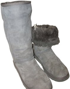 cc4316d30ac Grey UGG Australia Boots & Booties - Up to 90% off at Tradesy