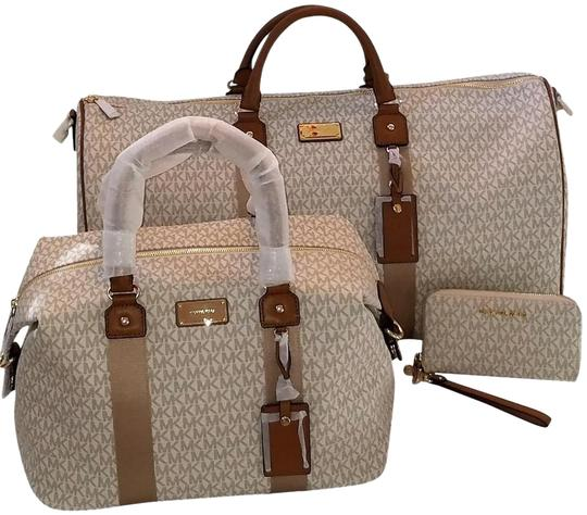 3b35cbcc99df Michael Kors Duffle Jet Set Set Luggage Monogram Vanilla Acorn Travel Bag  Image 0 ...