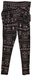 Hot Kiss Stretchy Pockets On Sides Black, Beige Leggings