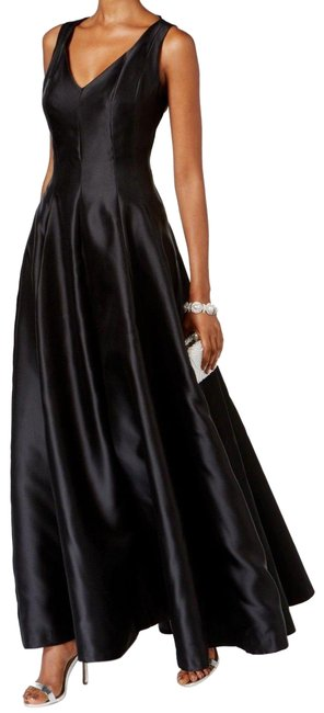 Item - Black Collection Sheath Long Cocktail Dress Size 6 (S)