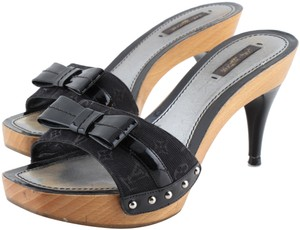 a6cb1ae4d264 Louis Vuitton Mules   Clogs - Up to 90% off at Tradesy