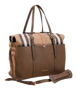 Burberry Tote in taupe & multiple