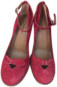 Marc by Marc Jacobs Vintage Suede red Pumps