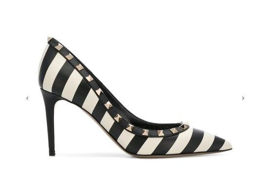 Preload https://img-static.tradesy.com/item/24522743/valentino-blackwhite-rockstud-striped-leather-studded-pumps-size-eu-375-approx-us-75-regular-m-b-0-0-540-540.jpg