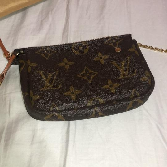 Louis Vuitton code ca 9069