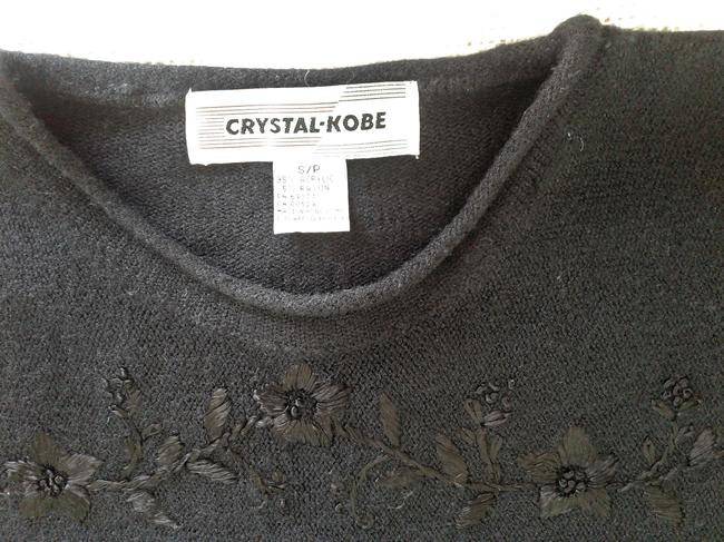 Crystal-Kobe Acrylic Embroidered Flower Pattern Nice Made In Hong-kong Sweater