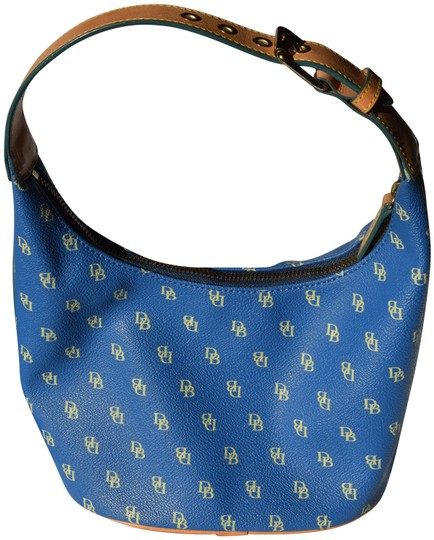 Preload https://img-static.tradesy.com/item/24523494/dooney-and-bourke-small-signature-bucket-blue-coated-canvas-shoulder-bag-0-1-540-540.jpg