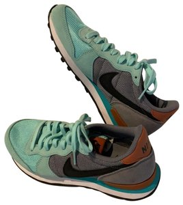 Nike teal and gray Athletic